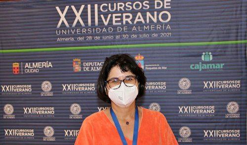 Nuria Marbá muestra las praderas de posidonia en los Cursos de Verano de la UAL