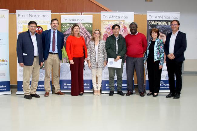 La UAL acoge una exposición de Manos Unidas por un futuro más humano