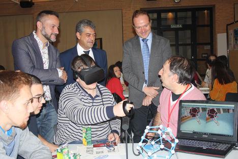 La Semana de la Ciencia de la UAL se centra en la Secundaria