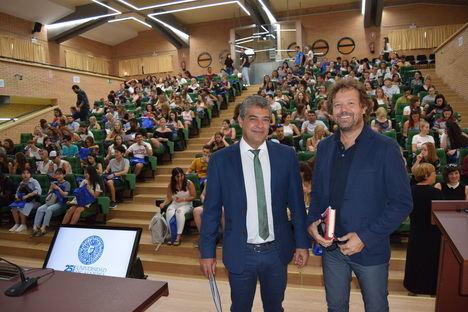 La UAL recibe estudiantes de los cinco continentes
