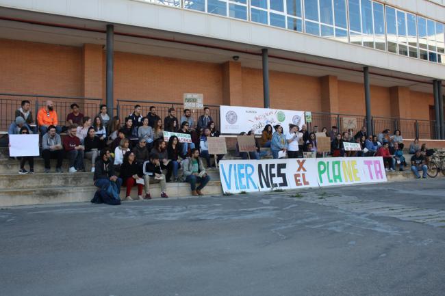 Estudiantes de la UAL alzan la voz contra el cambio climático