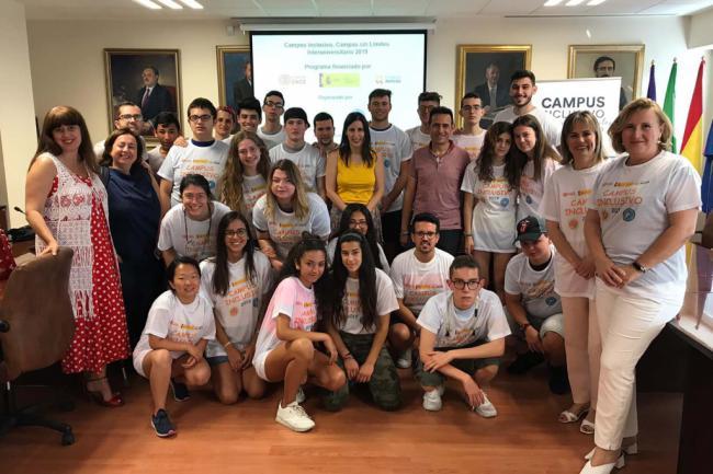 18 estudiantes andaluces con y sin discapacidad en 'Campus sin Límites' de la Universidad de Jaén y la de Almería