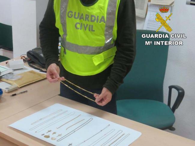 Detenido en Almería tras robar en Alicante y Madrid con el método del 'abrazo'