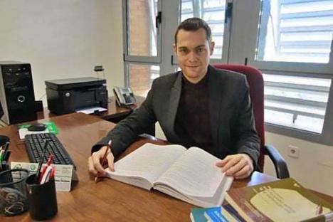 Profesor de la UAL colabora con prestigiosos investigadores en una obra sobre pragmática