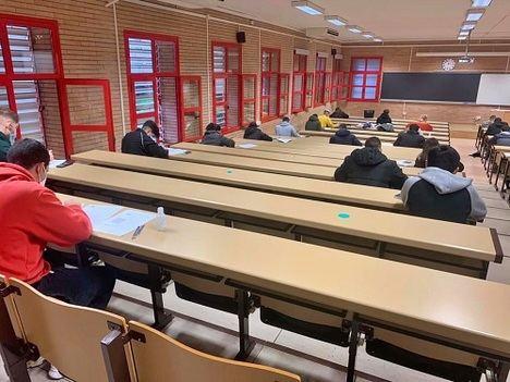 La UAL aplaude la intachable responsabilidad de estudiantes y profesores en el primer día de exámenes