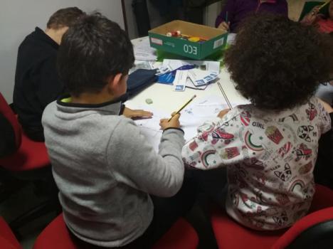 La Junta promueve los valores empresariales entre niños de Pechina