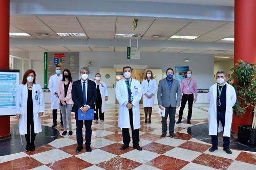 La UAL visita el Hospital de Poniente y agradece que la pandemia no interrumpa las prácticas de alumnos