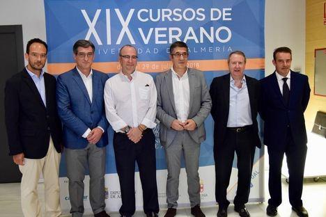 Patxi López, Luis Rogelio Rodríguez-Comendador y José Ignacio Prendes abogan por reformar la Constitución