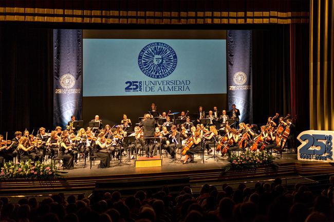 Éxito en la puesta de largo de la Orquesta Universidad de Almería