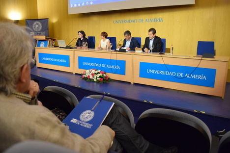 """Alberto Manguel en la UAL: """"Tenemos que recuperar el prestigio de la palabra"""""""
