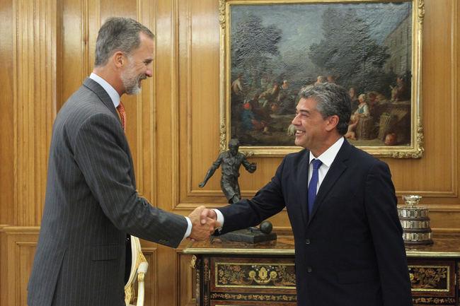 El rector transmite a Felipe VI la relevancia de la UAL a sus 25 años de vida