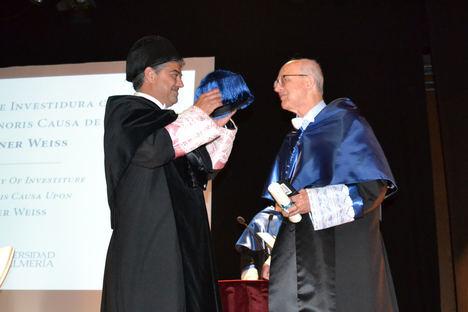 Rainer Weiss engrandece al Claustro de la Universidad de Almería con su Honoris Causa
