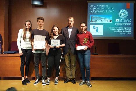 Estudiantes de Secundaria se acercan a la Ingeniería Química con el VIII Certamen de Proyectos Educativos