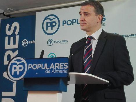 Amós García denuncia la falta de inversión e incentivos para el empleo y los autónomos.