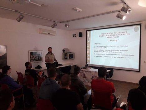 Estudiantes de Gestión del Medio Natural de los Vélez se forman en materia de incendios forestales