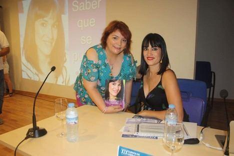 Irene Villa contagia su espíritu de superación a los asistentes del Curso de Verano en Purchena
