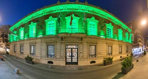 La Diputación se ilumina de verde por el Día de la Escucha
