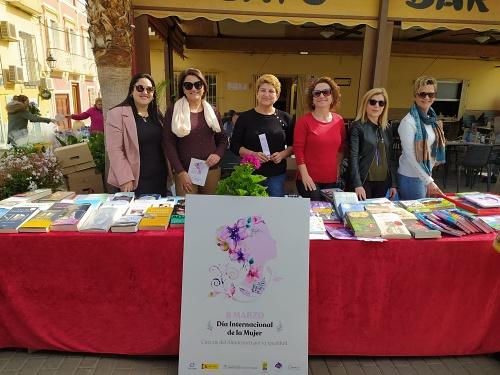 Cuevas celebra el Día de la Mujer con su tradicional Feria del Libro