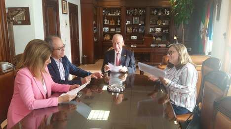 Firmada la renovación de la luminaria en el segundo tramo de la Avenida Reino de España