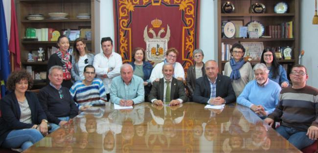 Asprodalba convenia con el Ayuntamiento de Vera trabajo para pesonas con discapacidad