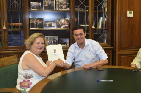 Diputación embellece Laroya con la mejora de su transitada calle 'La Era'
