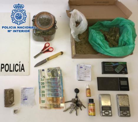 Tres detenidos en una operación antidroga con tres registros
