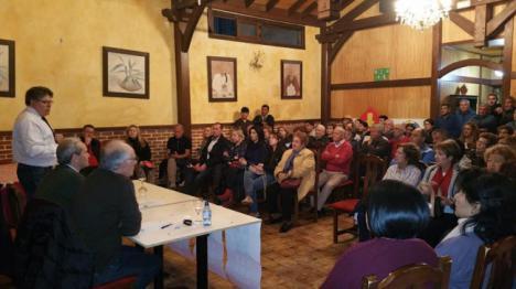 El PSOE hace un llamamiento en Albox para que voten a Pedro Sánchez