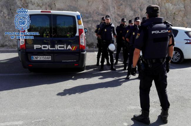 Arrestado con 30 gramos de cocaína, 23 comprimidos de psicotrópicos y 1085 euros en metálico