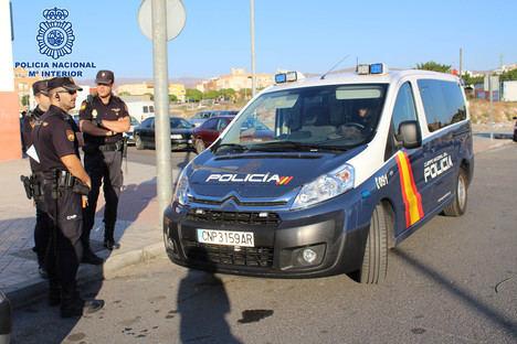 La Policía detiene a los autores de un atraco quienes además lesionaron a su víctima
