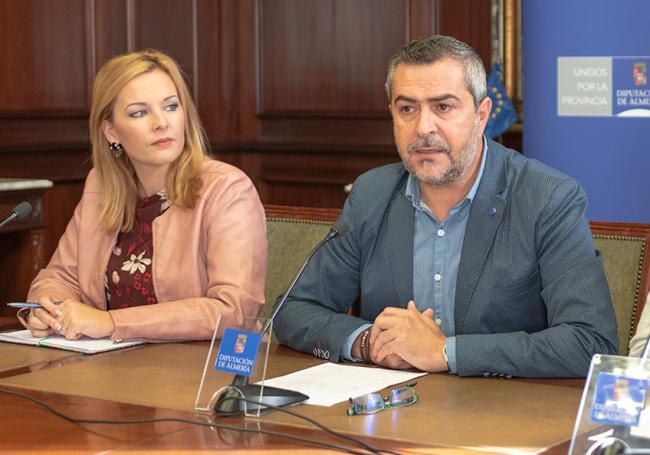 El PSOE califica de 'farsa' la queja del presidente de Diputación por la financiación