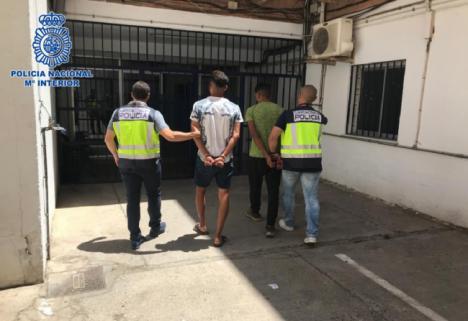 La Policía Nacional detiene a tres jóvenes acusados de cometer tres atracos en El Ejido