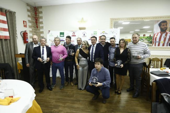 La Peña Milhojas celebra la Navidad con la entrega de sus premios
