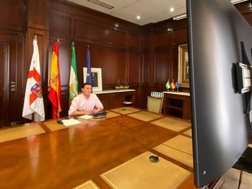 El presidente de Diputación transmite las inquietudes de los alcaldes en una reunión sobre #COVID19
