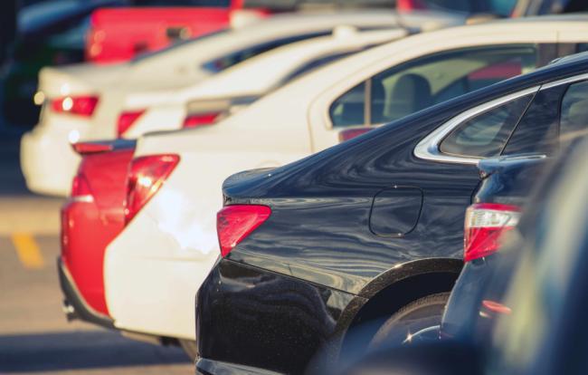 Algo más de 13.800 eruos cuestan los coches de segunda mano en Almería