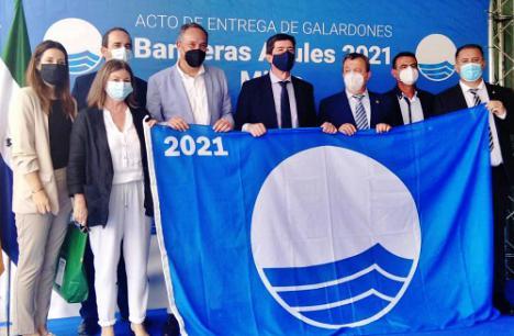 Roquetas de Mar renueva sus seis banderas azules en playas