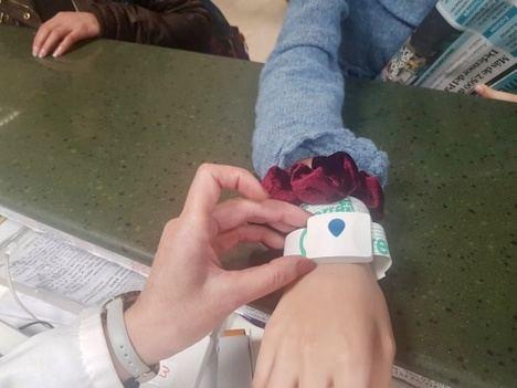 Un pulsera permite tener localizados a los pacientes quirúrgicos en Torrecárdenas