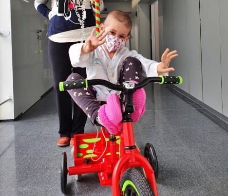 Llegan los 'kiciclos' al Materno Infantil para los menores ingresados
