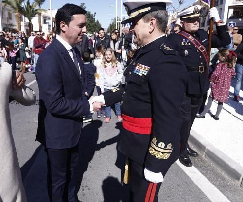 Diputación y Huércal-Overa dedican a la Marina Española la Plaza de la Avenida de la Estación