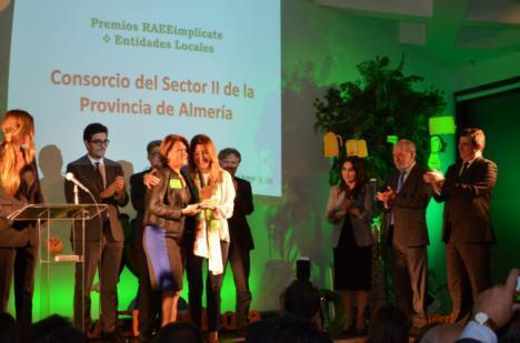 Tres empresas de Almería reciben el premio RAEEimplícate