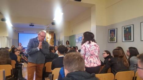 Excelente Acogida a 'Tengo Una Pregunta Para Usted, Sr. Alcalde' Sobre Prevención En Violencia en Vícar