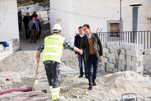 Diputación agiliza obras en Almócita y Laroya para fijar la población