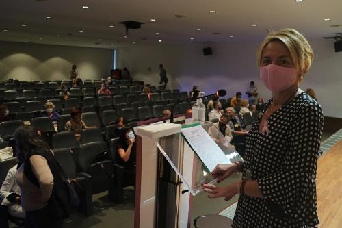 Elvira Lindo selecciona los textos de Almería del Día de las Escritoras