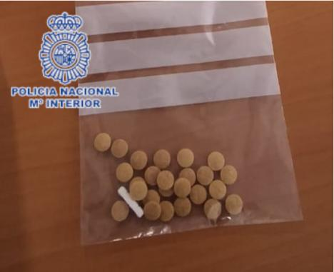 Detenido en la Calle Ceuta con 25 pastillas de éxtasis