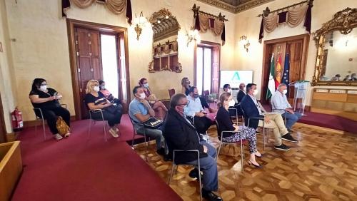 Rocío Blanco destaca los avances en estabilidad en el sector del manipulado de Almería