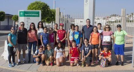 Por quinto año consecutivo los alumnos de 6º de primaria de Carboneras conocen el Puerto Pesquero