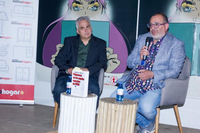 Entretenida presentación de 'Palomares en los papeles secretos de EEUU' en El Ejido