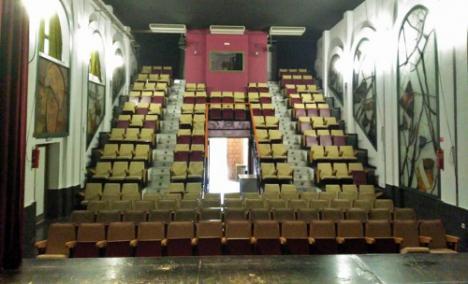 Comienza mejora en la Casa de la Cultura y el Teatro de Dalías