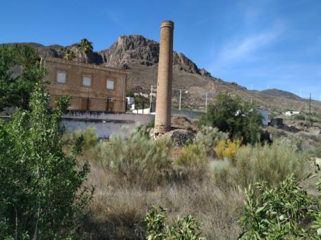 Diputación impulsa el desarrollo turístico de Lucainena urbanizando la 'Cañada Inés'