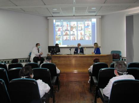 La delegada del Gobierno se reune con la dirección del Hospital de Poniente