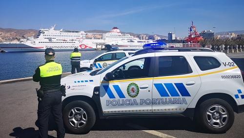 'Concierto' de sirenas en el Puerto de Almería